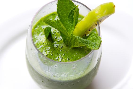 Best Vegan Breakfast Smoothie Recipe to Welcome Spring