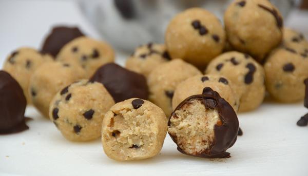 Vegan Chocolate Recipe: COOKIE DOUGH TRUFFLES