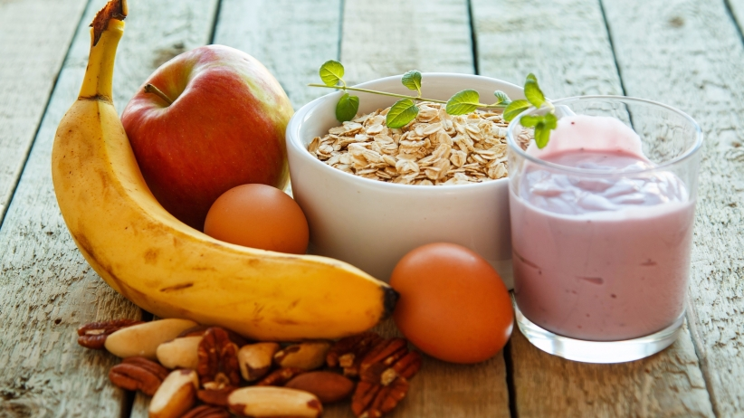 2017 Smart Guide for Healthy Snacking to Stay Fit